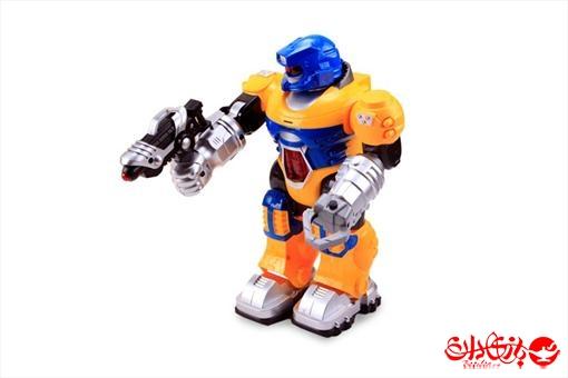 اسباب-بازی-آدم آهنی متحرک باتری خور مسلح