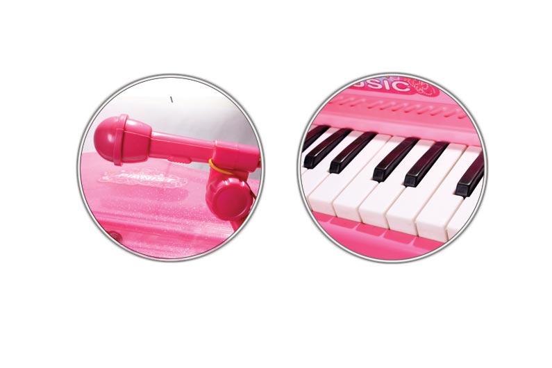 تصویر شماره 3  پیانو بزرگ با میکروفون