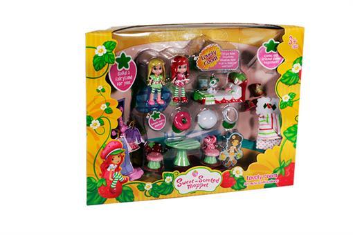 اسباب-بازی-ست عروسک توت فرنگی و لوازم خانه