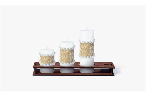 اسباب-بازی-ست کامل شمع استوانه قطر ٤ سانت ورق نقره نگین دار با پایه چوبی کلاسیک کد٤٠١